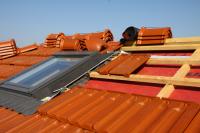 Dachplatten-Dachflaechen-fenster-Port